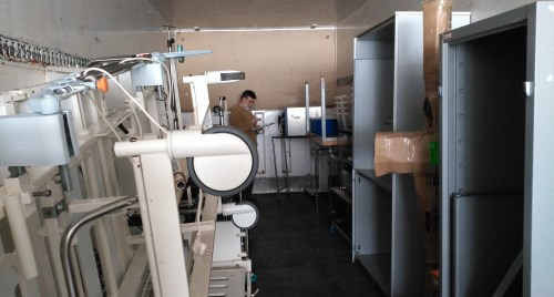 Carga material quirófano del hospital de Dajla2